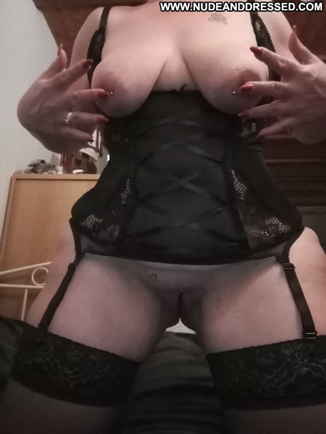 Rozanne Porn Dressed And Undressed Stolen Private Pics Amateur